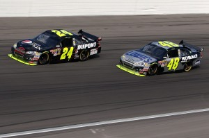 2010 Las Vegas NSCS Jeff Gordon Jimmie Johnson on track