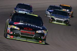 2010 Las Vegas NSCS Jeff Gordon leads racing action