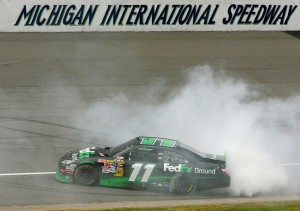 2010_Michigan_June_NSCS_Race_Denny_Hamlin_Burnout