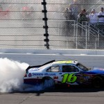 2010_Kansas_Oct_NSCS_Greg_Biffle_burnout