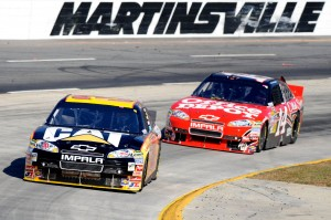 2010_Martinsville_Oct_NSCS_Jeff_Burton_leads