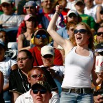 2010_Martinsville_Oct_NSCS_fans_cheer