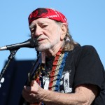 2010_Texas2_Nov_NSCS_prerace_Willie_Nelson_concert