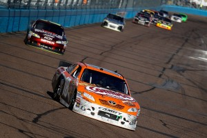 2011_Phoenix_Feb_NSCS_Kyle_Busch_leads_Jeff_Gordon