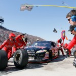 2011MartinsvilleApr_NSCS_Kevin_Harvick_Pit_Stop