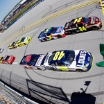 2011TalladegaApr_NSCS_Race_Jeff_Gordon_Jimmie_Johnson_Green_Flag