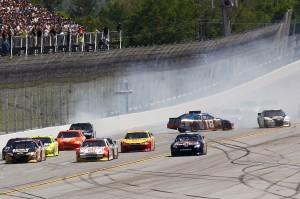 2011TalladegaApr_NSCS_Race_Kyle_Busch_spins