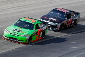 2011_Dover_May_NSCS_Race_Kenseth_Prepares_to_Pass_Martin