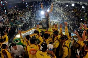 2011_Kentucky_NSCS_Kyle_Busch_Victory_Lane_2