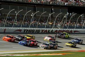 2011_Talladega_Oct_NSCS_Joey_Logano_leads_pack