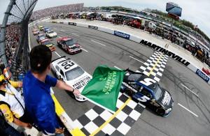 2012_Martinsville_March_NASCAR_Sprint_Cup_Series_Race_Start