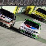 2012_Bristol2_Tony_Stewart_Matt_Kenseth_Race_Alongside_Each_Other