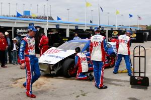 Joey-Logano-NASCAR-crash-2013-nascar