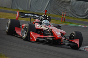 Super Formula 2012 KCMG 300x199 Super Formula Saisonvorschau 2013