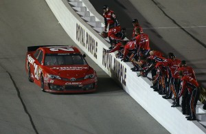 Matt Kenseth team NASCAR Southern 500 Darlington 2013 300x195 NASCAR: Analyse Darlington 2013