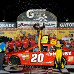 Matt Kenseth victory lane NASCAR Southern 500 Darlington 2013 150x150 NASCAR: Analyse Darlington 2013