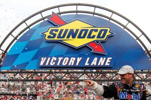 Tony-Stewart-Victory-Lane-Dover-NASCAR-Fed-Ex-Autism-Speaks-400-