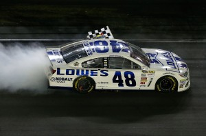 Jimmie_Johnson_070613_Burnout_Daytona
