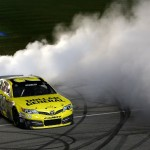 NSCS_Matt_Kenseth_Burnout_Chicago_091513