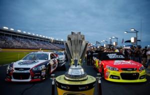 NASCAR_NSCS_CMS_101213_Gordon_Lead