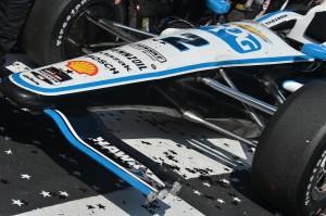 Montoyas Frontflügel nach dem Rennen (c) Chris Owens/IndyCar Media