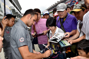 Super Formula Fuji Speedway 2014 Vitantonio Liuzzi Pitwalk
