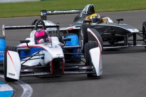 2. Andretti's Franck Montagny and Dragon's Oriol Servia