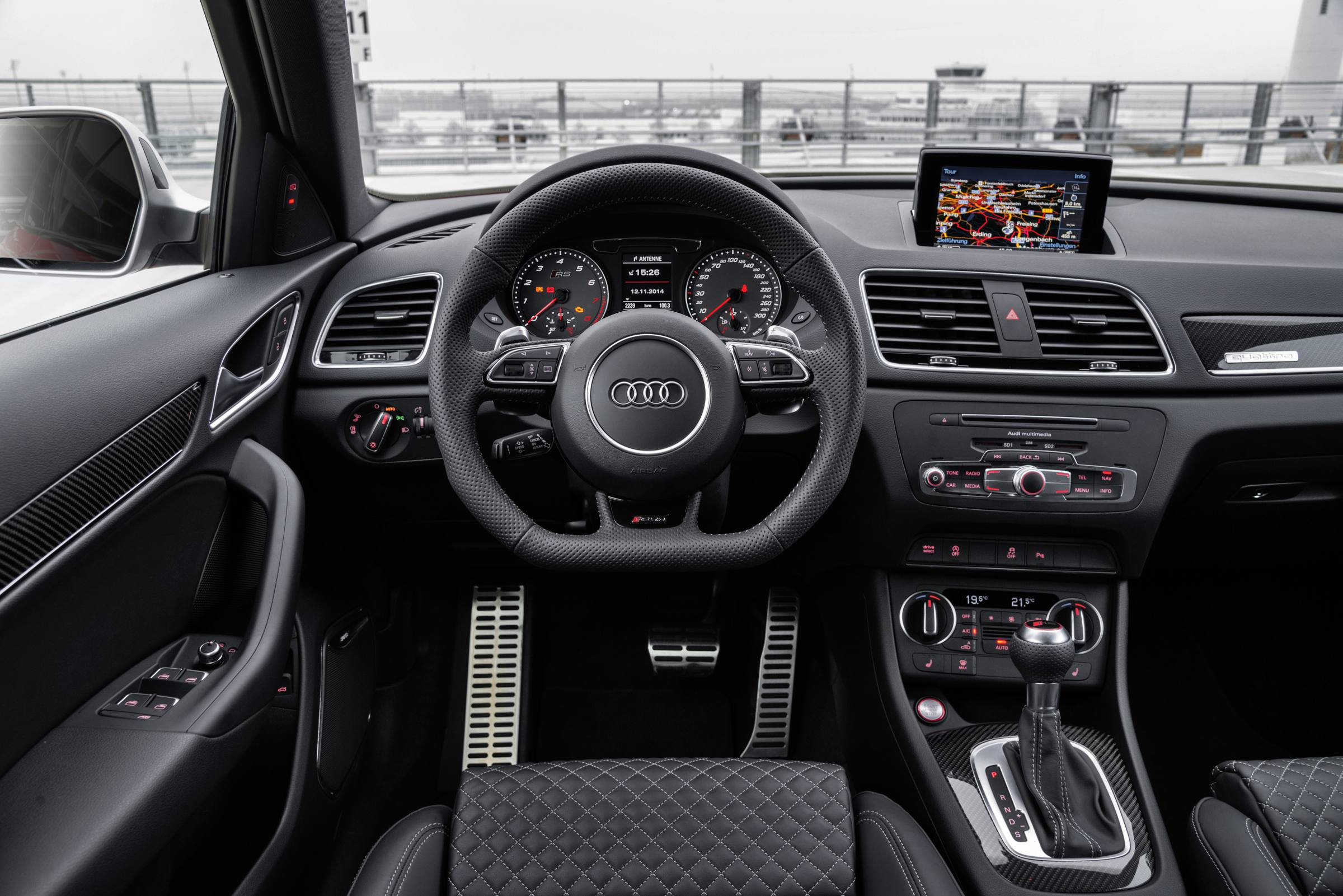 Audi rs q3 der kasten mit bums racingblog for Interieur q3