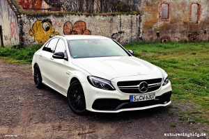 Mercedes_AMG_C63_12
