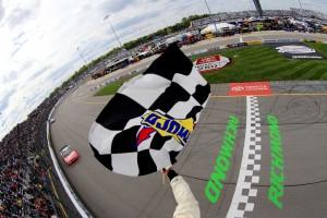 NASCAR_RIR_NSCS_42615_KuBusch_Checkered