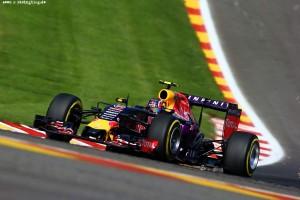 F1_Race_Spa_2015_14
