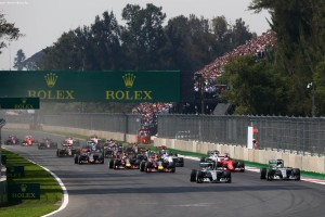 F1_Race_Mexico_2015_10
