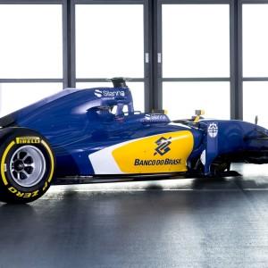 SauberC35-Ferrari_RearSide_300dpi_01