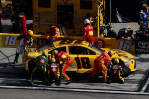 LVMS_NSCS_KyBusch_PitStop_030516