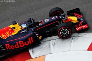 F1_Race_Russia_2016_07